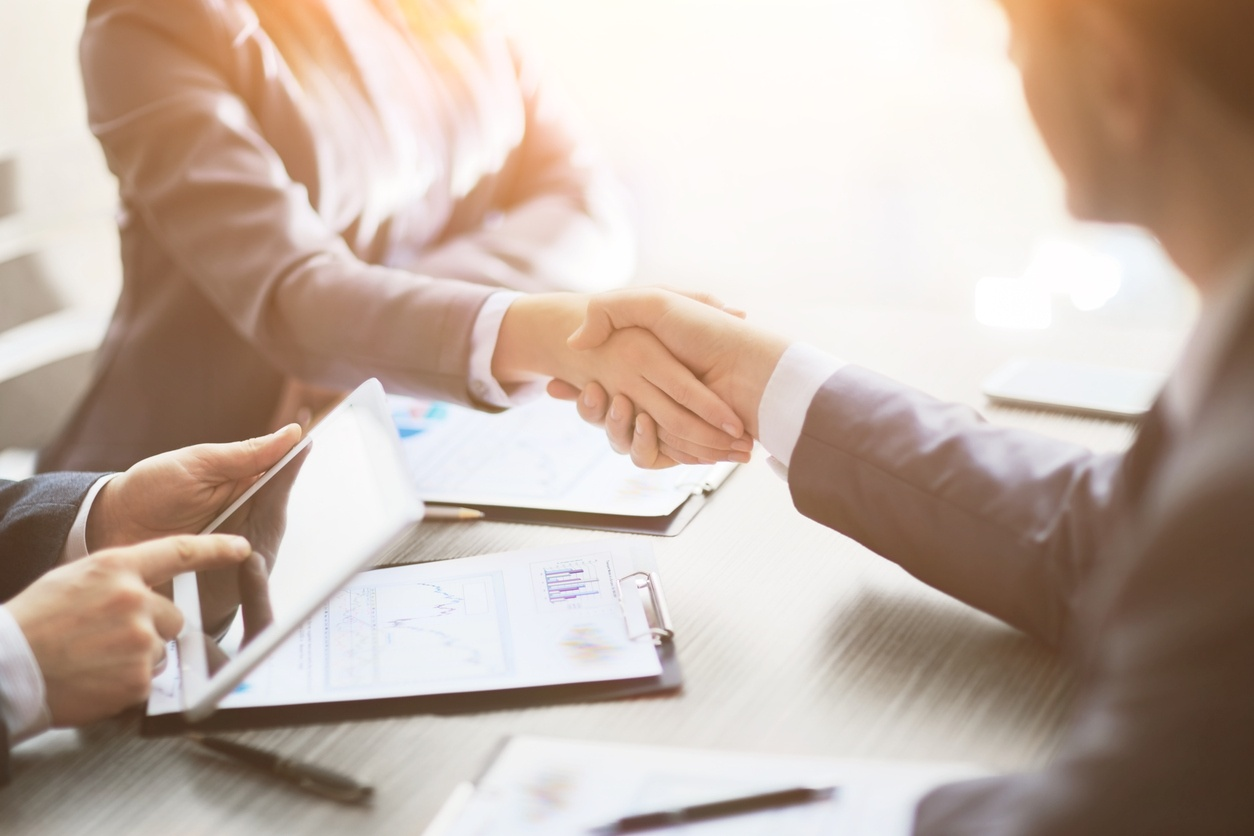 filetrail signs a new deal with am law 100 foley and Lardner llp